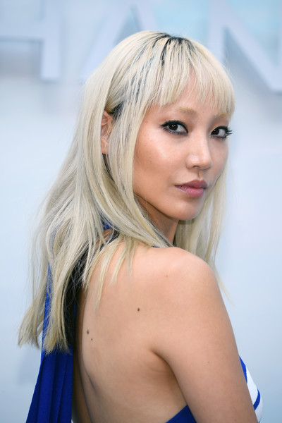 Soo Joo Park Long Straight Cut with Bangs [hair,face,blond,hairstyle,beauty,hair coloring,lip,chin,skin,lady,chanel haute couture fall winter 2018,front row,part,soo joo park,paris,france,chanel,paris fashion week,show]