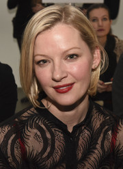 Gretchen Mol wore her hair in a short bob at the Sophie Theallet fashion show.