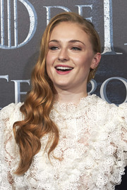 Sophie Turner looked glamorous wearing this wavy side sweep at a 'Game of Thrones' fan event in Madrid.