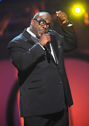 Cedric the Entertainer looked oh-so-stylish in a black tux.