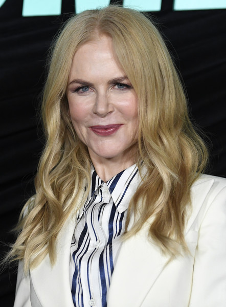 Nicole Kidman attended the special screening of 'Bombshell' wearing her hair in face-framing waves.