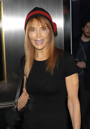 Tina Louise wore a cute knit beanie to the screening of 'The Lovely Bones'.  Great way to add a punch of color.