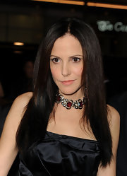 Mary-Louise Parker paired her little satin dress with a jeweled choker dress. How '90s!