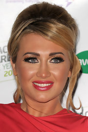 Lauren Goodger wore a pair of long, fluttery lashes at the 2011 Spectacle Wearer of the Yeae.