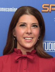Marisa Tomei sported a casual straight hairstyle with an off-center part at the 'Spider-Man: Homecoming' New York First Responders' screening.