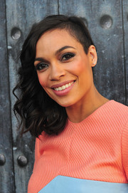 Rosario Dawson styled her half-shaved hair with bouncy curls for Spike TV's Guys Choice 2014.