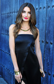 Lily Aldridge styled her strapless LBD with a chic gold cuff bracelet for Spike TV's Guys Choice 2014.