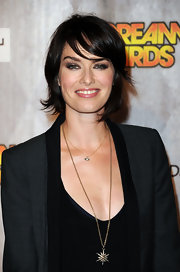 Lena Headey glammed up her dark outfit with a star pendant necklace at the Scream 2011 Awards.