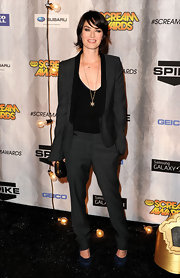 Lena Headey looked relaxed yet stylish in her charcoal pantsuit at the Scream 2011 Awards.