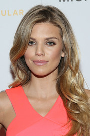 AnnaLynne McCord wore her hair loose with gentle waves during the Sports Spectacular Luncheon.