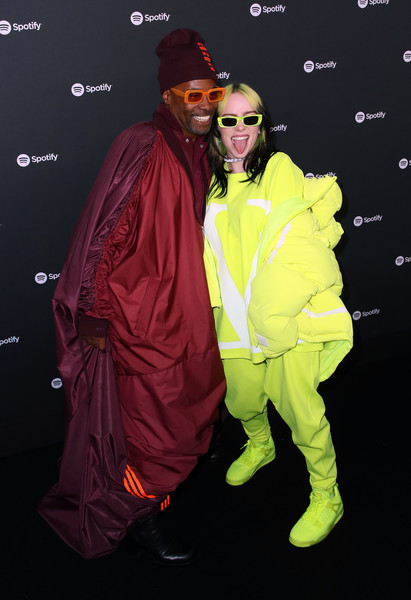 More Pics of Billie Eilish Medium Layered Cut (3 of 11) - Shoulder Length Hairstyles Lookbook - StyleBistro [outerwear,yellow,raincoat,costume,jacket,spotify,party - arrivals,best new artist,billy porter,billie eilish,california,los angeles,the lot studios,best new artist 2020 party,billie eilish,billy porter,los angeles,spotify,grammy award for best new artist,grammy awards,musician,photography]