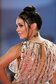 Vanessa styled her hair in a high bun with loose tendrils for the 'Spring Breakers' premiere in Venice.
