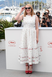 Elisabeth Moss looked adorable in a printed midi dress by Emilia Wickstead at the Cannes Film Festival photocall for 'The Square.'