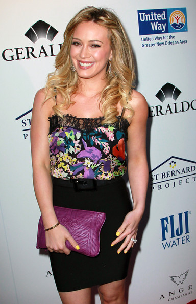 More Pics of Hilary Duff Leather Clutch (1 of 31) - Hilary Duff Lookbook - StyleBistro