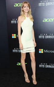 Lindsay Ellingson showed off her long and lean frame with this sleeveless white frock.