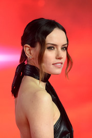 Daisy Ridley styled her hair into a bun with a tail for the European premiere of 'Star Wars: The Last Jedi.'