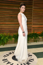 Mary Elizabeth Winstead opted for a simple white Vionnet gown when she attended the Vanity Fair Oscar party.