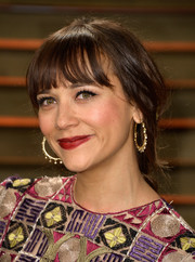Rashida Jones attended the Vanity Fair Oscar party wearing a messy-chic loose braid.