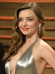 Miranda Kerr looked super lovely at the Vanity Fair Oscar party wearing this curly side sweep.