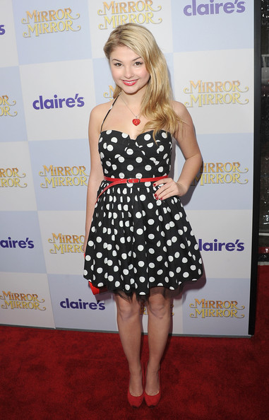 Stefanie Scott Clothes