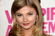 Stefanie Scott Long Wavy Cut