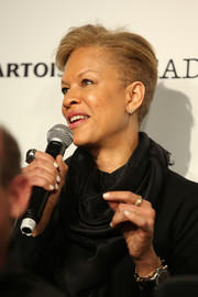 Tonya Lewis Lee attended a Sundance Q&A wearing this short side-parted 'do.
