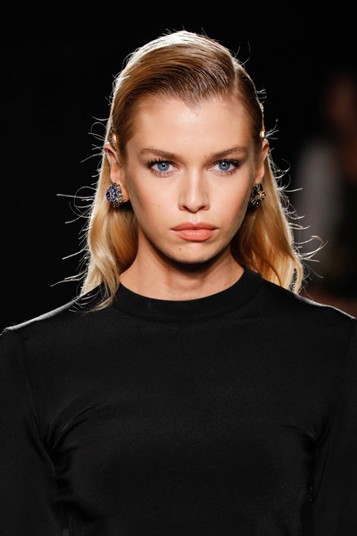 Stella Maxwell Long Side Part [hair,fashion model,fashion,face,eyebrow,hairstyle,lip,blond,fashion show,beauty,versace pre-fall 2019 collection,stella maxwell,versace fall,runway,new york city,the american stock exchange]