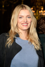 Lily Donaldson was summer-chic with her beachy blonde waves at the Stella McCartney fashion show.