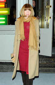 Anna Wintour bundled up in a camel pashmina for the Stella McCartney store opening.