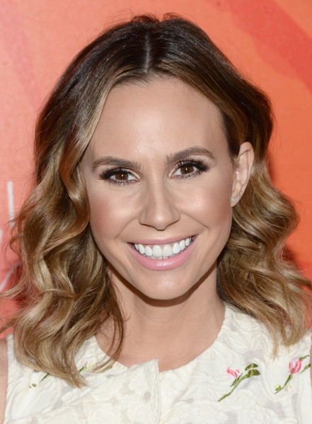 Keltie Knight framed her face with perfectly styled waves for the Inspiration Awards.