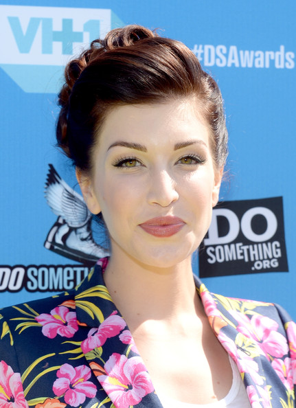 Stevie Ryan Pinned Up Ringlets