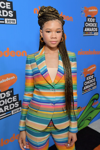 Storm Reid Long Braided Hairstyle [red carpet,hair,clothing,hairstyle,carpet,outerwear,premiere,electric blue,brown hair,style,storm reid,kids choice awards,inglewood,california,nickelodeon,the forum]