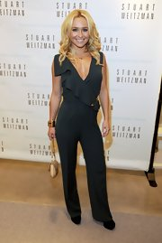 Hayden chose to accessorize her statement jumpsuit with a chunky gold bracelet.