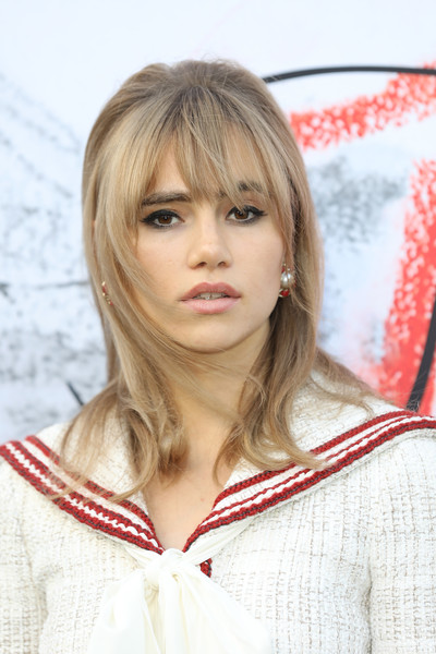 Suki Waterhouse Medium Straight Cut with Bangs