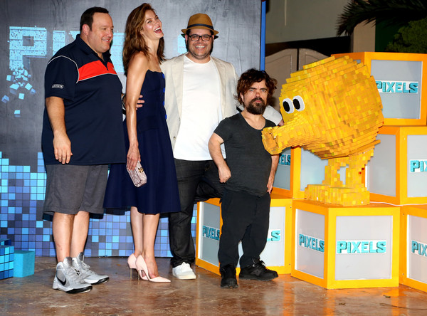 More Pics of Michelle Monaghan Medium Wavy Cut (1 of 75) - Michelle Monaghan Lookbook - StyleBistro [yellow,event,world,actors,kevin james,peter dinklage,josh gad,michelle monaghan,l-r,pixels,the ritz-carlton cancun,sony pictures entertainment,photo call]