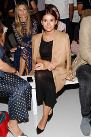 Miroslava Duma completed her ensemble with basic black pumps.