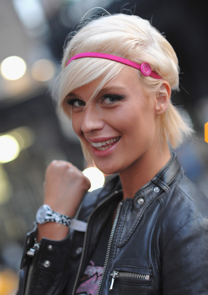 More Pics of CariDee English Headband (2 of 8) - CariDee English Lookbook - StyleBistro