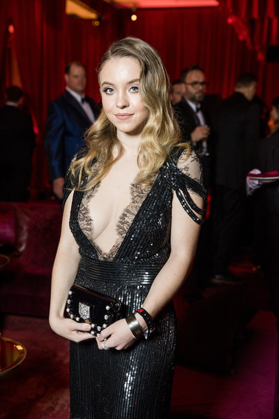 Sydney Sweeney Beaded Clutch [handout photo,photograph,image,lady,fashion,dress,event,formal wear,long hair,smile,sydney sweeney,waldorf astoria,waldorf astoria beverly hills,golden globes,netflix,party,party,sydney sweeney,euphoria,cassie howard,hbo,photograph,image,actor]