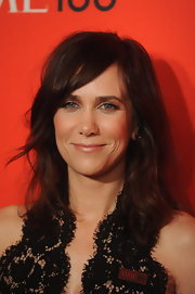 Kristen Wiig swept her long bangs off the side for the 'Time' 100 Gala.