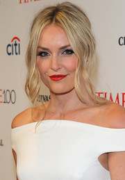 Lindsey Vonn look oh-so-beautiful with her loose updo and wavy, face-framing tendrils at the Time 100 Gala.