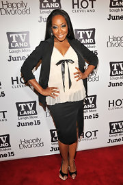Tichina Arnold's black skirt suit at the 'Hot in Cleveland' and 'Happily Divorced' premiere party looked serious, but that bow-embellished blouse softened it up.