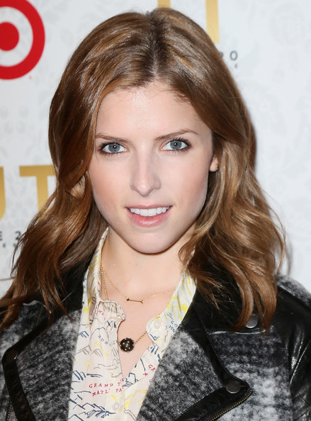 More Pics of Anna Kendrick Gold Charm Necklace (1 of 15) - Anna Kendrick Lookbook - StyleBistro