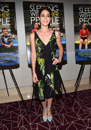 Lizzy Caplan looked airy in her Proenza Schouler tropical-print dress during the screening of 'Sleeping with Other People.'