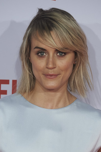 Taylor Schilling Layered Razor Cut [hair,face,hairstyle,blond,eyebrow,chin,layered hair,lip,shoulder,surfer hair,taylor schilling,red carpet,presentation red carpet,presentation,matadero cultural,spain,madrid,center,netflix]