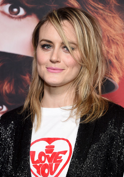 Taylor Schilling Medium Layered Cut [russian doll,season,hair,face,hairstyle,eyebrow,blond,lip,beauty,brown hair,long hair,layered hair,taylor schilling,new york city,netflix,metrograph,premiere]