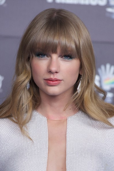 Taylor Swift Long Curls with Bangs