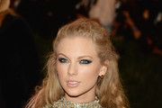 Taylor Swift Smoky Eyes