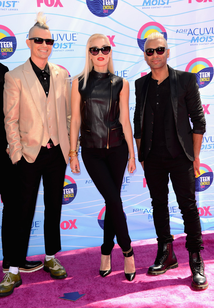 (L-R) Musician  Adrian Young, Singer Gwen Stefani and musician Tony Ashwin Kanal of No Doubt arrive at the 2012 Teen Choice Awards at Gibson Amphitheatre on July 22, 2012 in Universal City, California.