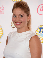 Candace Cameron Bure kept it simple yet chic with this teased ponytail when she attended the Teen Choice Awards.