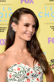 Jordana Brewster looked oh-so-pretty with her half-pinned hairstyle at the Teen Choice Awards.